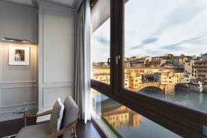 Portrait Firenze - Guestroom View
