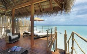 constance-moofushi-maldives-senior water villa
