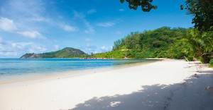 ephelia-seychelles-beach-view-5