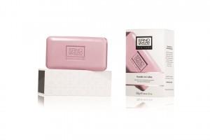 2828905-sensitive-cleansing-bar-packshot-300dpi-cmyk
