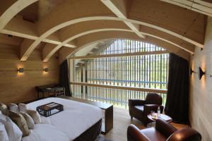 cam-rooms-furka-suite-master-bedroom-02