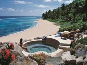 caraibi_british-virgin-islands_peter-island-resort_beach-jacuzzi